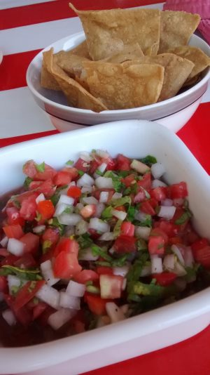 Fresh pico de gallo & chips - El Mercado Cozumel