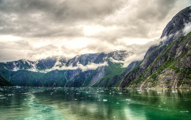 tracy-arm-fjord-369632_640